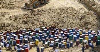 rifiuti-tossici-nella-terra-dei-fuochi-598x312